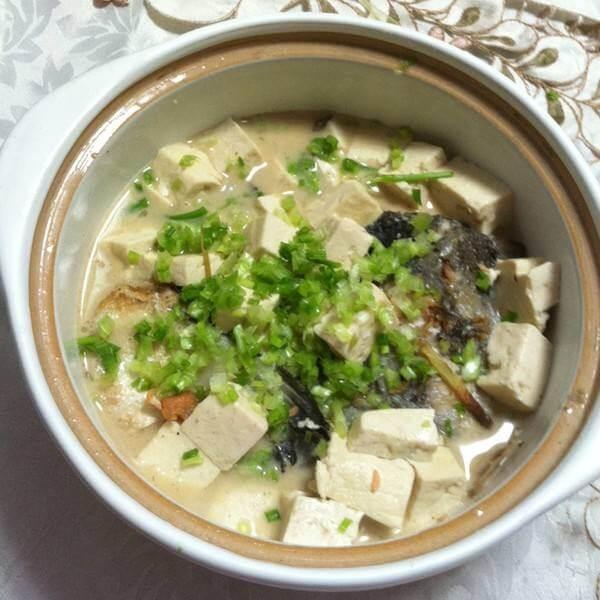 三文鱼头豆腐煲
