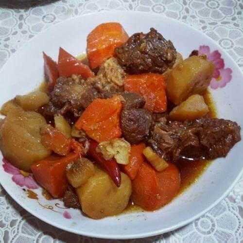 羊肉烧土豆