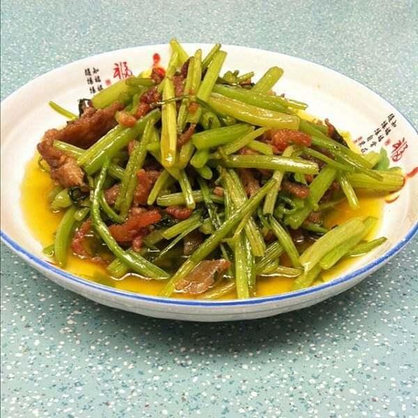 肉丝茶干炒芹菜