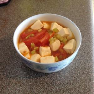 番茄鱼尾豆腐汤