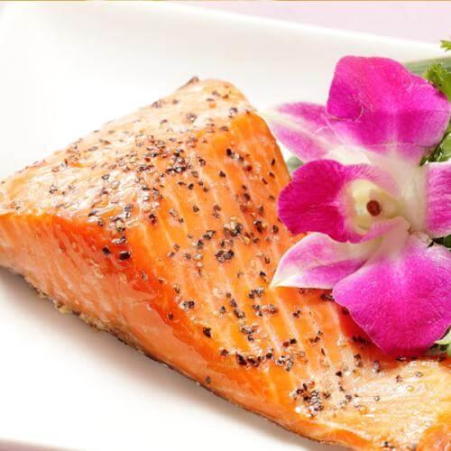 好吃的黑椒三文鱼