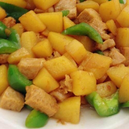 红烧冻豆腐土豆