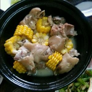 猪蹄玉米汤