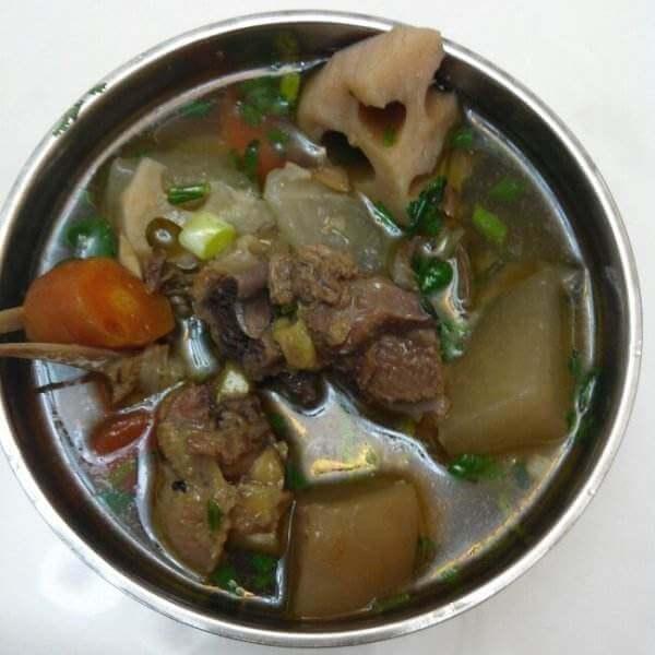 红萝卜香茹炖鸡汤