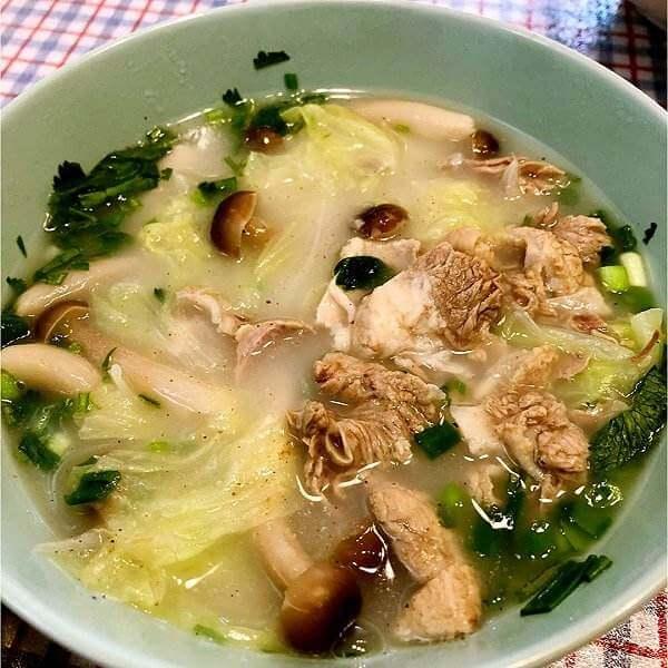 蟹味菇肉丸汤