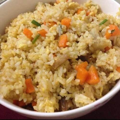 红萝卜炒饭