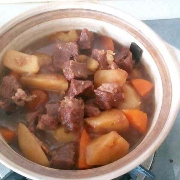 牛肉土豆煲