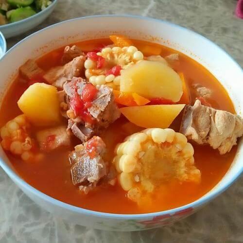 土豆西红柿排骨汤