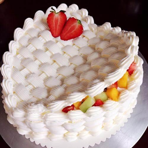 心型鲜果奶油蛋糕