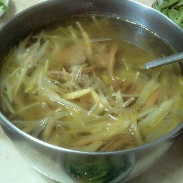 黄花菜肉片汤