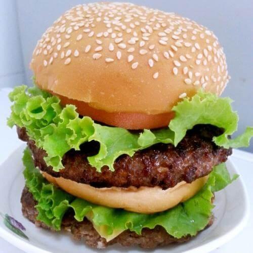 家常牛肉汉堡