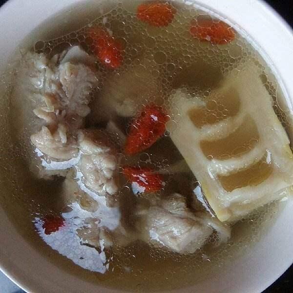 排骨竹笋香菇汤