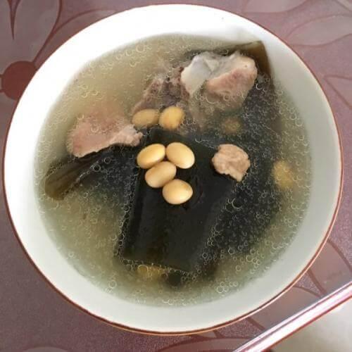 黄豆海带猪脚汤