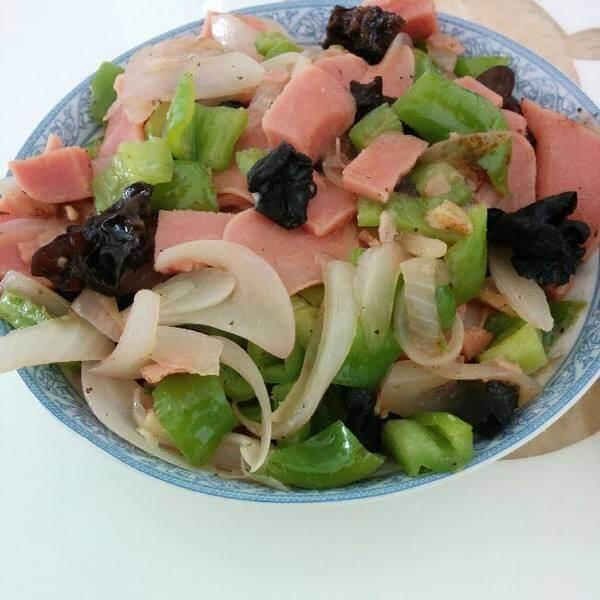 青椒木耳炒火腿