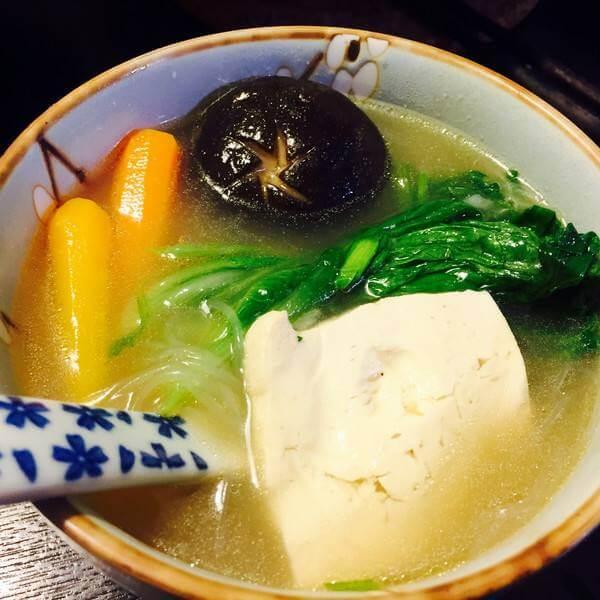 牛尾蔬菜清汤