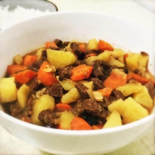 土豆胡萝卜烧牛肉