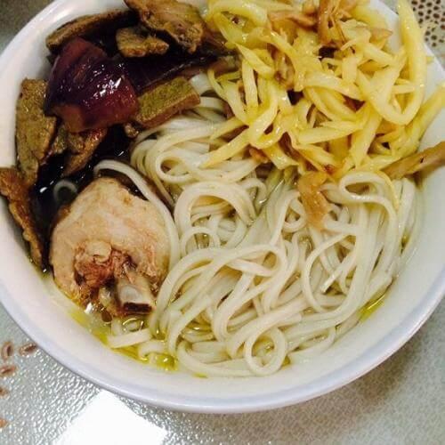 猪肝肉丝汤粉