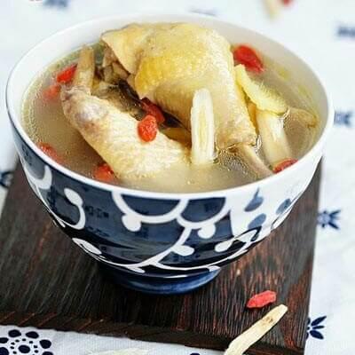 黄芪鲜鸡汤