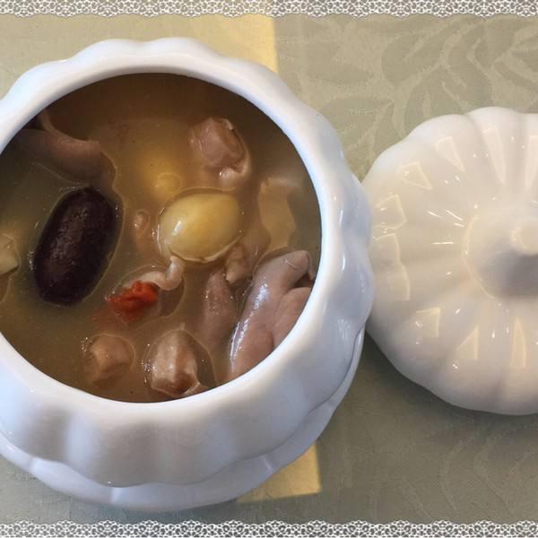 胡椒猪肚白果汤