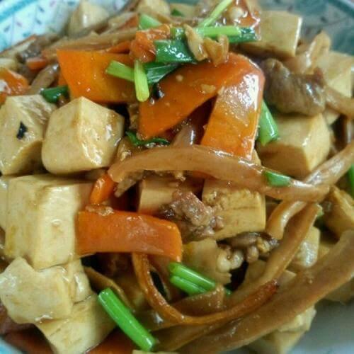 胡萝卜炒瘦肉