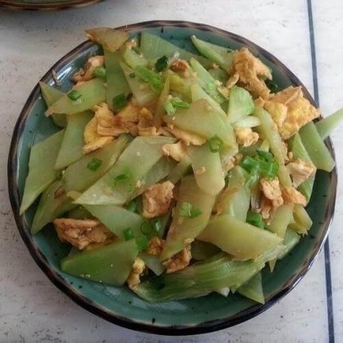 剁椒鸡蛋炒莴笋