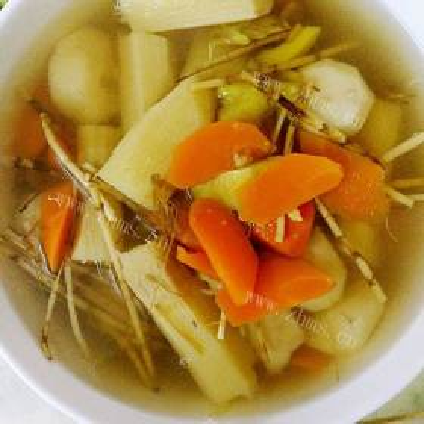 胡萝卜马蹄竹蔗水