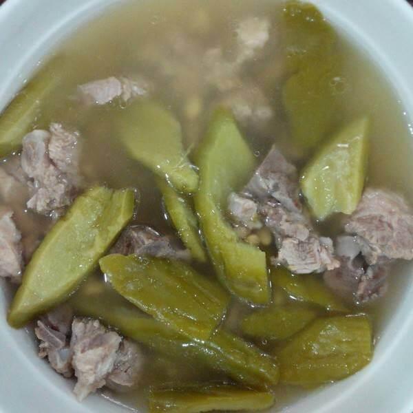 美味苦瓜黄豆排骨汤