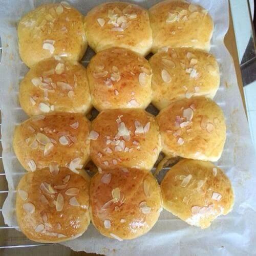 鲜奶油杏仁面包