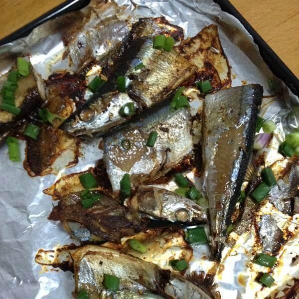 麦菜烤秋刀鱼
