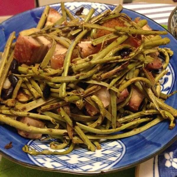 五花肉炒蕨菜