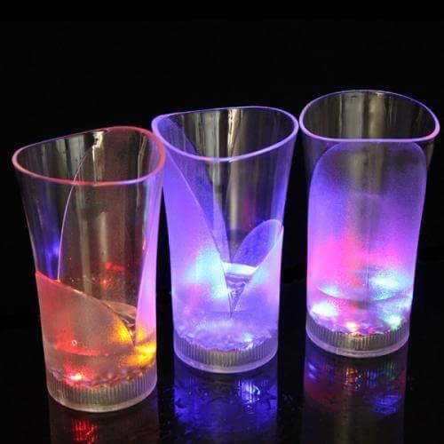 三层色酒杯冻