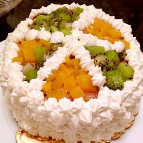 方形水果奶油蛋糕