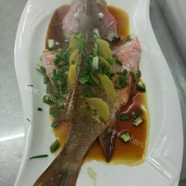 豆酱水煮大目红鱼