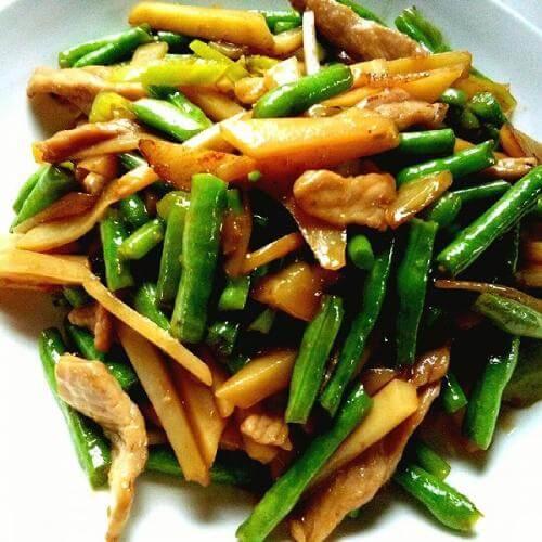 鲜蘑烧豇豆