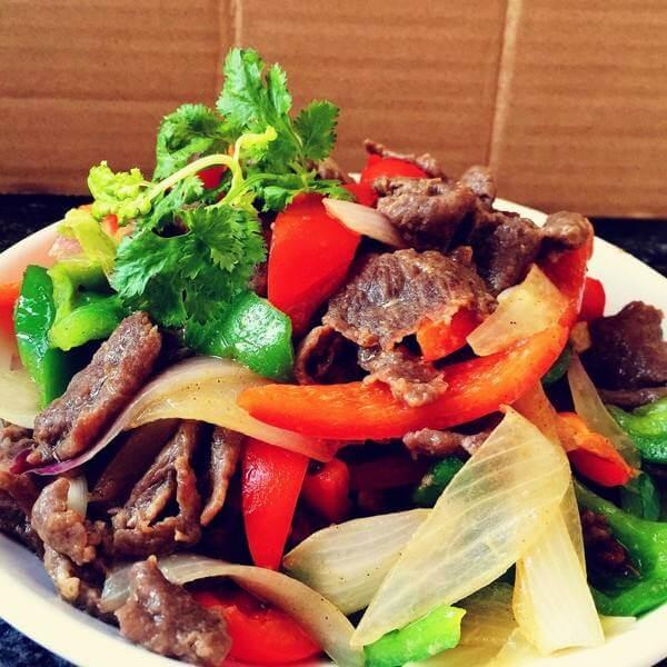 南方青红椒炒牛肉