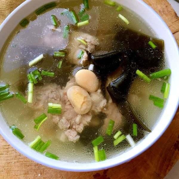 美味的海带排骨汤
