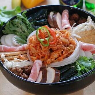 美味的泡菜火锅