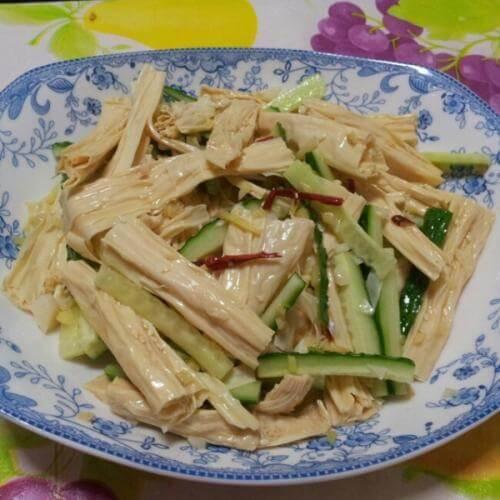 健康美味的凉拌腐竹