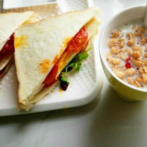 自制营养三明治早餐