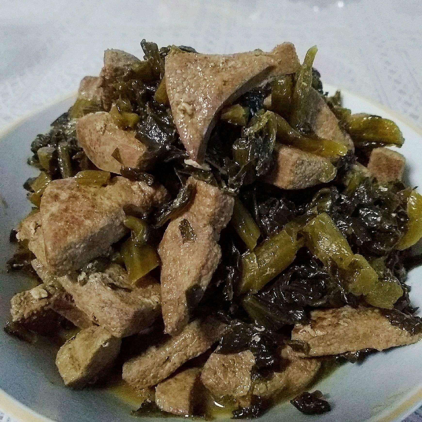 咸菜炒猪肝