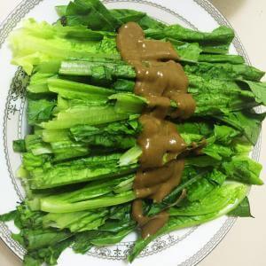 芝麻酱拌油麦菜