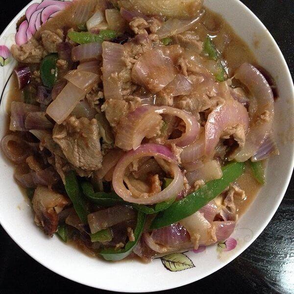 猪颈肉炒韭菜花