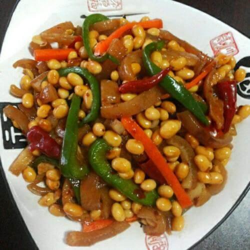 黄豆炒肉皮
