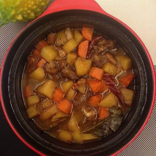 土豆萝卜炖排骨