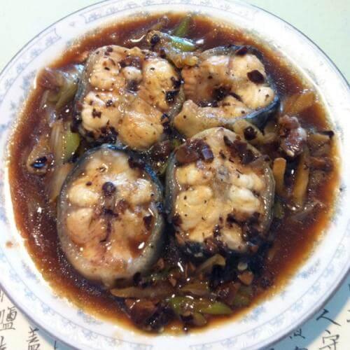 大蒜焖鳗鱼