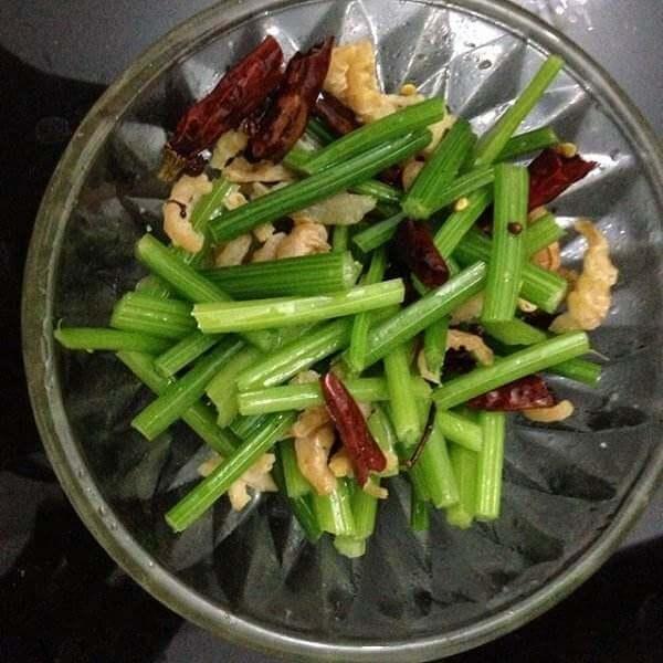 海米炝芹菜