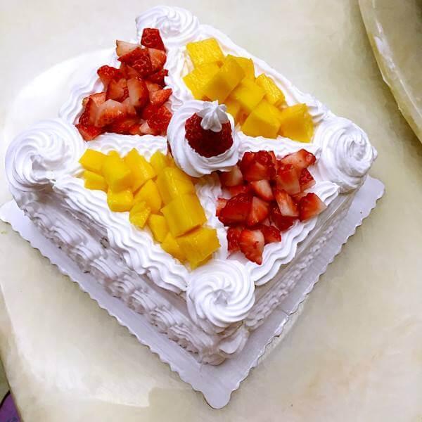 方形奶油蛋糕