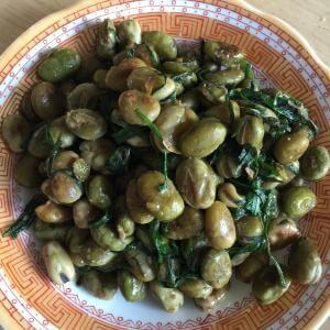 咸菜炒蚕豆