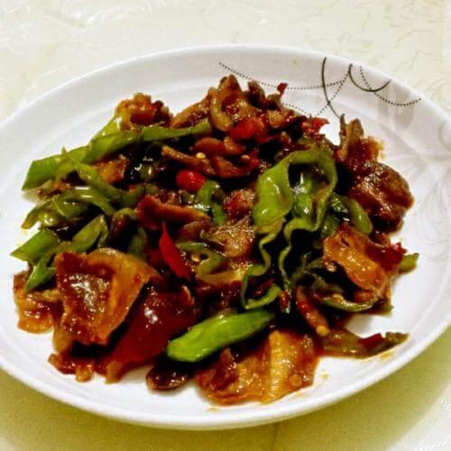 美味青椒回锅肉