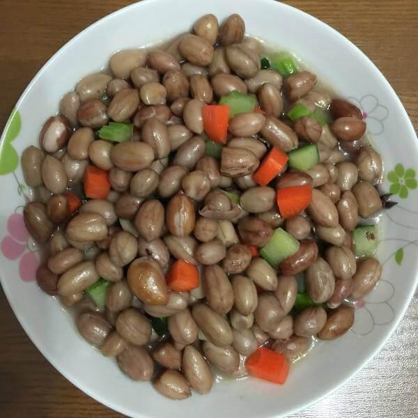 炒制五香花生米
